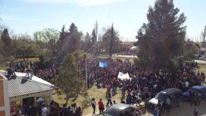 UNCo: Estudiantes aprobaron cortar los puentes este jueves
