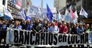Paro nacional: Se suman los Bancarios y denuncian despidos en el BPN