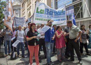La Asociación Bancaria acordó un nuevo incremento salarial del 6%