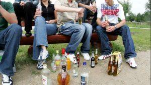 Plottier prohibe el consumo de alcohol en la vía pública