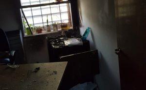 Denuncian un atentado en la sede central de la UNCo