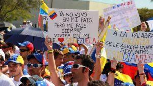 Flexibilizan trámites migratorios para venezolanos