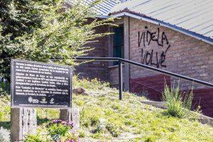 Desconocidos pintan paredes de la sede Bariloche de la UNCO