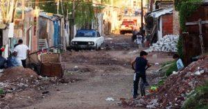 Hay más de 12 millones de pobres en la Argentina