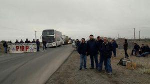 Corte en la Ruta 22: Les llegó una orden de desalojo a los trabajadores de la PIAP
